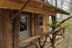 Treehouse_Retreat_Deck-1