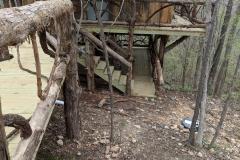 Treehouse_Retreat_Deck